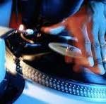 Le DJaying
